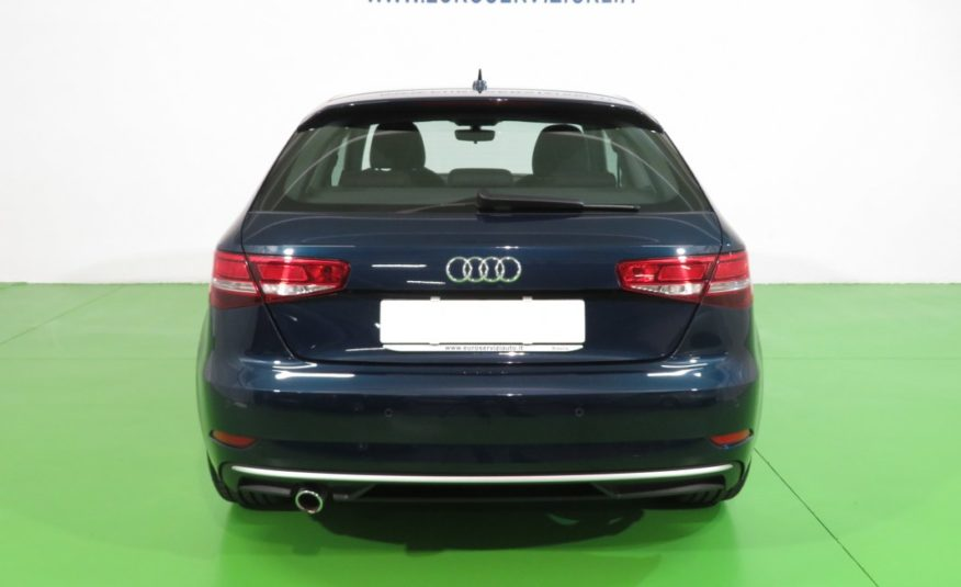 AUDI A3 1.6 TDI 110 CV Business